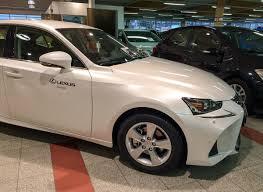 lexus is 300h kulutus poloinen autotie