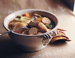 cuisiner une poularde pour noel recette poularde en pot au feu à la périgourdine