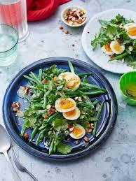 cuisiner haricot vert salade de haricots verts œuf noisettes et cerfeuil régal