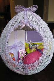 Gardening Basket Gift Ideas by 35 Diy Easter Basket Ideas Unique Homemade Easter Baskets Good