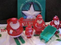 how to collect cute plastic vintage christmas collectibles from