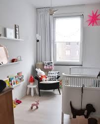 chambre bébé moderne chambre fille bb accessoires dco chambre chambre bebe marron