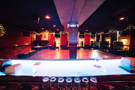 Top Bars In Nyc 2014 2018 New Years Eve At Bar 13 In East Village New York City