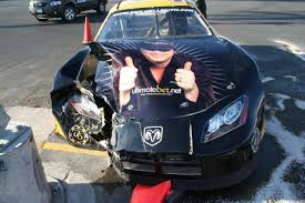 phil hellmuth hurt in racecar crash wsop performance in jeopardy
