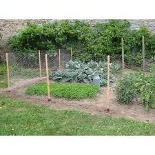 jardin cloture clôture grillagée en bois pour protéger potager jardin et saisons
