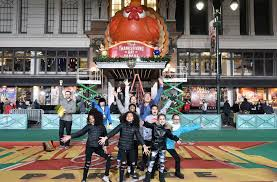 macy s thanksgiving day parade live