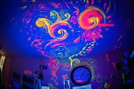 Black Lights For Bedroom Bedroom Black Light How Cool Is That Glow In The Paint