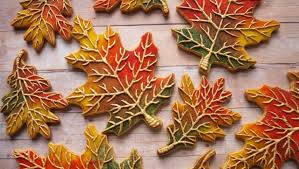 how to decorate cookies to look like fall leaves