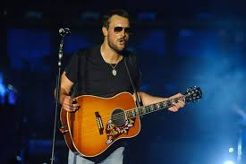 eric church cowboys thanksgiving halftime show performer heavy