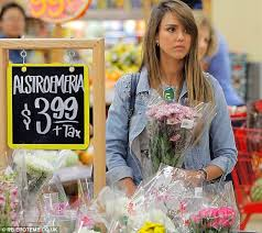 Honest Office Jessica Alba Picks Out Flowers With Daughter Honor While Husband