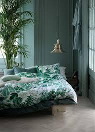 deco chambre jungle h m home un style jungle pour le printemps mur vert linge