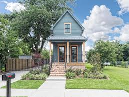 Fixer Upper Facebook Waco U0027fixer Upper U0027 Home For Sale For Nearly 1 Million Business