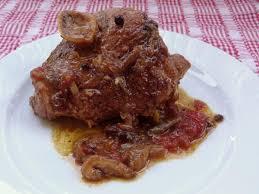 cuisiner rouelle de porc rouelle de porc complètement confite recette de porc à la bière
