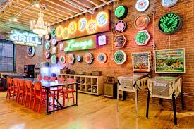Neon Decoration Interieur Boston Loft With Exposed Brick And Vintage Neon Signs Art