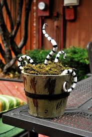 542 best halloween decorations images on pinterest crafts