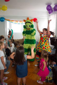 clowns for birthday nyc professional kids entertainment best kids party services in new york