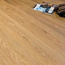 Laminate Flooring Edmonton Premier Elite Natural Oak 8mm Laminate Flooring