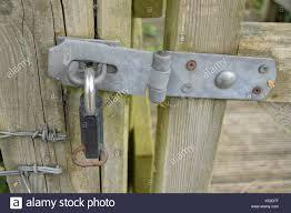 metal gate hinge stock photos u0026 metal gate hinge stock images alamy