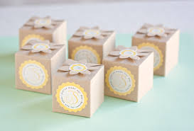 wedding party favor boxes 5 ways to style clasp favor boxes weddings ideas from evermine
