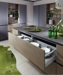 schroder cuisine cuisine design et contemporaine alliant la laque et le bois avec