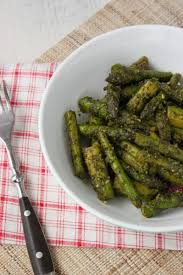 cuisiner asperge asperges vertes poêlées au pesto de persil ail des ours et citron