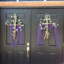Religious Easter Door Decorations by 60 Best Church Foyers U0026 Decor Images On Pinterest Church Ideas