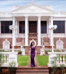 bollywood celebrity homes interiors top 10 breathtaking bollywood celebrity homes and addresses mumbai