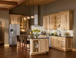 Rustic Painted Kitchen Cabinets by Best 25 Natural Hickory Cabinets Ideas On Pinterest Rustic
