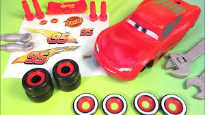 cars 3 lightning mcqueen putting stickers on mcqueen disney pixar
