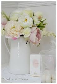 Fake Flower Centerpieces by Top 25 Best Artificial Flowers Ideas On Pinterest Fake Flowers