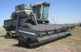 1983 gleaner l3 combine with header item b3017 sold oct