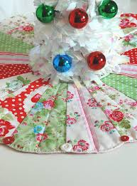 make christmas merry u2014 free mini tree skirt pattern available now