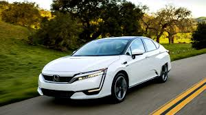 what is the luxury car for honda 2017 honda clarity a hydrogen fuel cell car that delivers