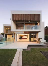 amazing details of best modern home designs presenting glass wall