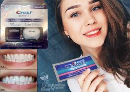 crest 3d white whitestrips with light review bộ sản phẩm tẩy trắng răng crest 3d white no slip whitestrips with