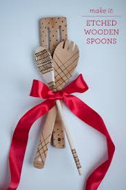 the perfect gift etched wooden spoons design mom