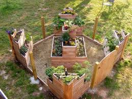 Pallet Garden Decor 84 Best Pallet Garden Tiered Pyramid Images On Pinterest
