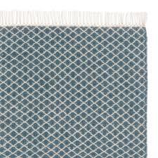 teppich mit sternen teppich loni blau eierschale mit diamantmuster urbanara