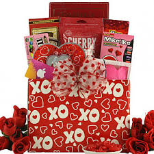 Valentines Day Gift Baskets Send Valentine U0027s Day Gift Baskets Shop Valentines Baskets