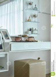 Coiffeuse Design Pour Chambre by Coiffeuse Moderne Dans La Couleur Blanche Dans La Chambre à