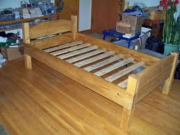 Simple Platform Bed Frame Diy by Best 25 Twin Bed Frame Wood Ideas On Pinterest Twin Platform