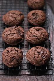 free double chocolate chunk cookies