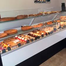 Muffin Display Cabinet Refrigerated Pastry Display Case All Architecture And Design