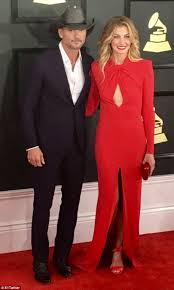 E Red Carpet Grammys Grammy Awards 2017 Red Carpet Faith Hill Joins Tim Mcgraw Daily