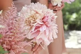 pink bouquet wedding bouquets that are insanely stunning brides