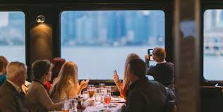 chicago thanksgiving lunch dinner cruises odyssey cruises