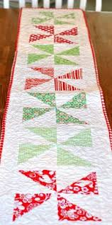 174 christmas quilt patterns and projects christmas quilt