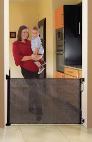 Evenflo Stair Gate by Best 20 Retractable Pet Gate Ideas On Pinterest Retractable