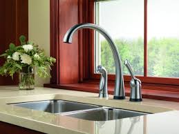 delta trinsic single handle pull down sprayer kitchen faucet