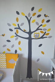 arbre chambre bébé sur commande stickers arbre hibou et petits oiseaux jaune gris